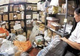 Desde agosto del 2016 el servicio se mantiene paralizado. Miles de paquetes no se han entregado. (Foto Prensa Libre: Hemeroteca PL)