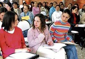 Las mujeres superan a los hombres en la Educación Superior. (Foto Prensa Libre: Hemeroteca PL)