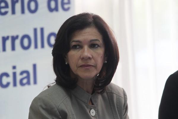 <p>La ministra de Educación, Cynthia Del Águila, deberá someterse a interpelación cuando la bancada Todos decida terminar con la fase de debate del juicio al ministro de Cultura.</p>