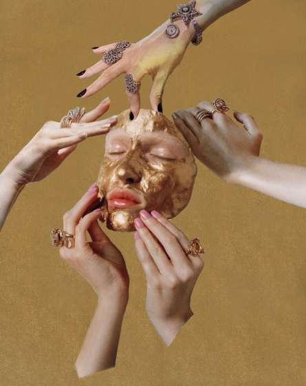 La artista y modelo Louise Parker encuentra imágenes de sí misma en revistas, las disecciona y reacomoda las partes de su propio cuerpo. (Vogue Italia, Noviembre 2014) LOUISE PARKER
