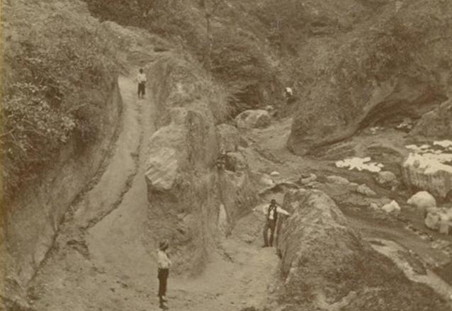 La Barranca del Incienso, en la década de 1870, hoy ocupada por la colonia y el puente del mismo nombre. (Foto: Eadweard Muybridge)