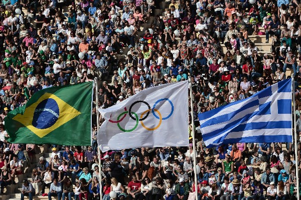 Los aficionados disfrutaron del espectáculo en Brasil. (Foto Prensa Libre: AFP)