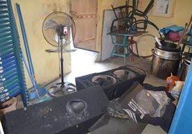 Los delincuentes se llevaron instrumentos musicales y algunos enseres de cocina. (Foto Prensa Libre: Jorge Tizol)