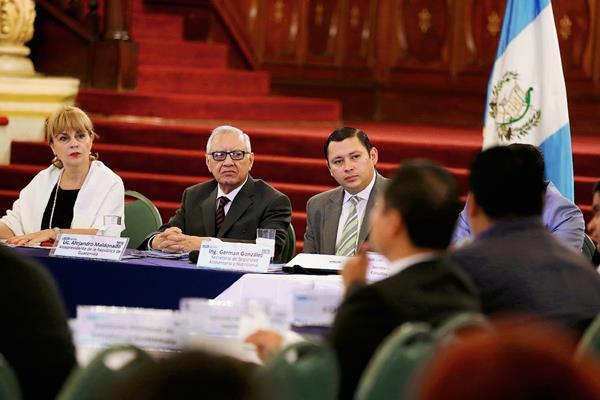 El vicepresidente Alejandro Maldonado Aguirre, este viernes durante la reunión del Conasan. (Foto Prensa Libre: Presidencia)