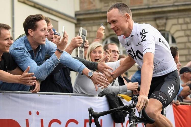 Horas antes de comenzar la búsqueda de su cuarto Tour de Francia, el británico Chris Froome extendió su contrato hasta finales de 2020 con el Sky Team, informó este viernes el equipo inglés a través de un comunicado (Foto Prensa Libre: AFP