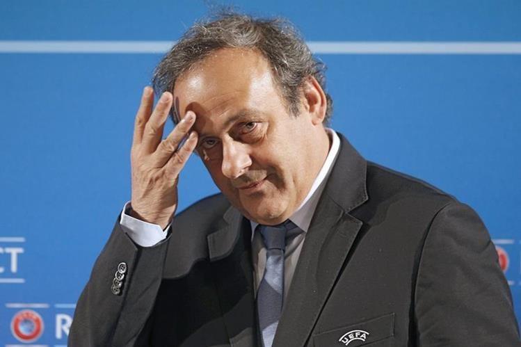 Platini fue removido del cargo luego de ser acusado de actos de corrupción en la Uefa. (Foto Prensa Libre: AP)