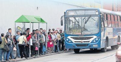 Comuna capitalina rechaza intención de autobuseros. (Foto Prensa Libre: Hemeroteca PL)