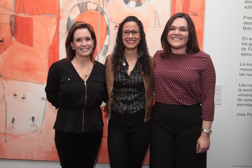 María de  Botrán, Mariana Solórzano  y  Cristina Rozas Botrán.  (foto Prensa Libre: Edwin Castro).