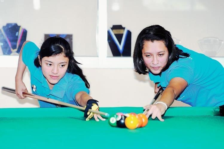 Vivian López y Daniela Catalán, juntas ganaron cinco medallas en el Panamericano de Argentina. (Foto Prensa Libre: Óscar Felipe Q.)