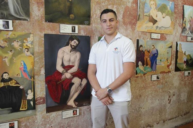 Bruno Guerra (18) realizó su obra en tres meses. Estudiará medicina, pero quiere tomar un curso de pintura en la Academia de Bellas Artes en Sevilla, España. (Foto Prensa Libre: Anna Lucía Ibarra).
