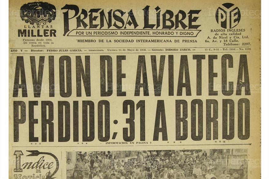 Avión de Aviateca se estrella en el cerro Paxó; mueren 31 a bordo, el 26/5/1956. (Foto: Hemeroteca PL)