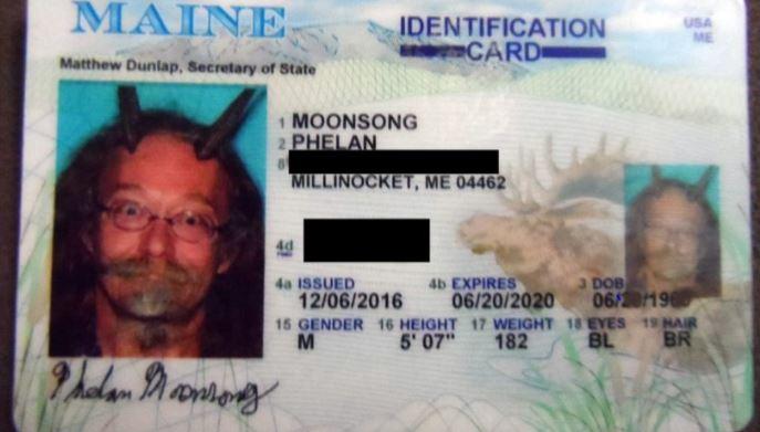 En redes sociales circula esta imagen de la licencia de Phelan Moonsong. (Foto: Twitter).