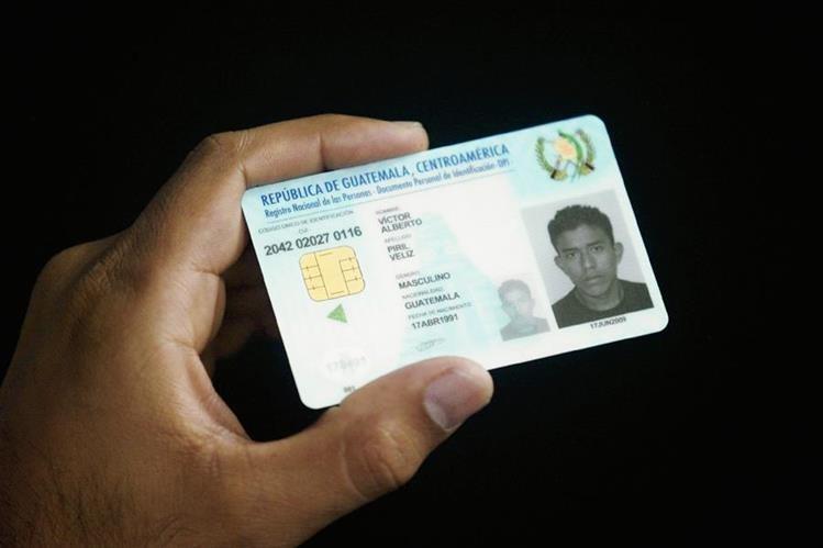 Renap en alerta por tramites de DPI y otros documentos en páginas falsas. (Foto Prensa Libre: Hemeroteca PL)