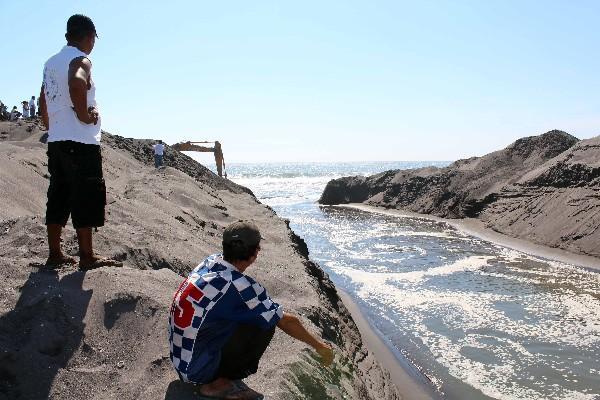 BOCABARRA EVITARÁ   daños en viviendas y áreas de cultivo de la aldea El Chico, Retalhuleu.