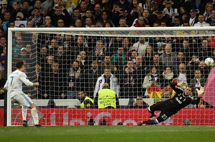 Cristiano anota el penalti de la clasificación.