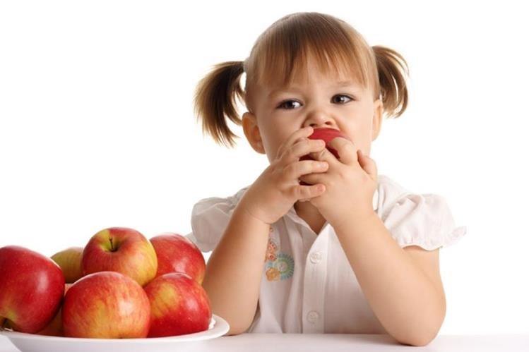 Si un niño come saludable y hace ejercicio, se evita que desarrolle enfermedades prevenibles.