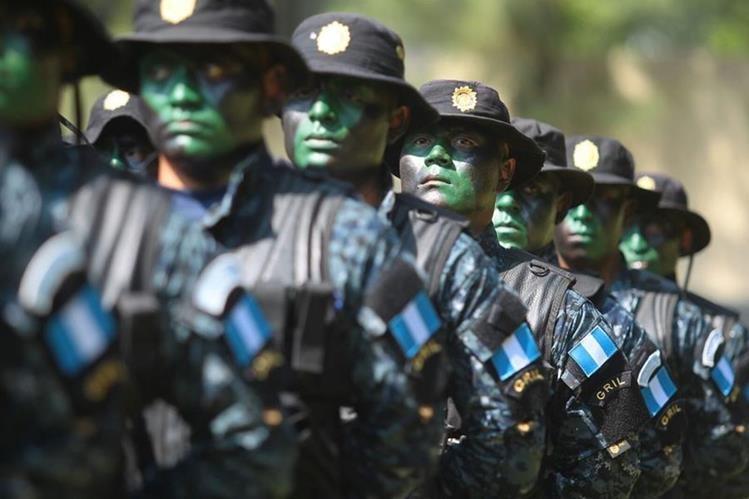 Guatemala cuenta con, aproximadamente, 35 mil policías para brindar seguridad a sus 15 millones de habitantes. (Foto Prensa Libre: Hemeroteca PL)