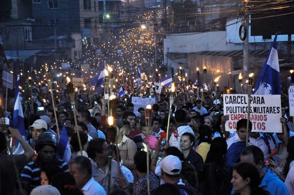 <em>Imagen del 7 de junio cuando los hondureños también manifestaron en contra de la corrupción. (Foto Hemeroteca PL).</em>