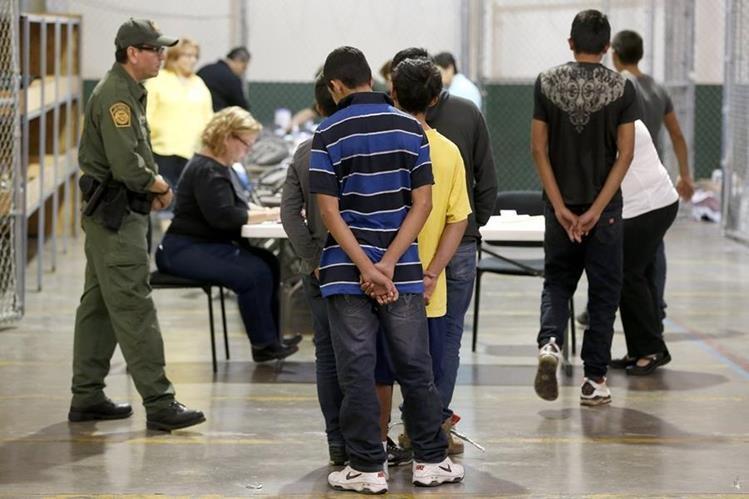 En octubre y noviembre los detenidos fueron 65 mil 562 indocumentados. (AP).