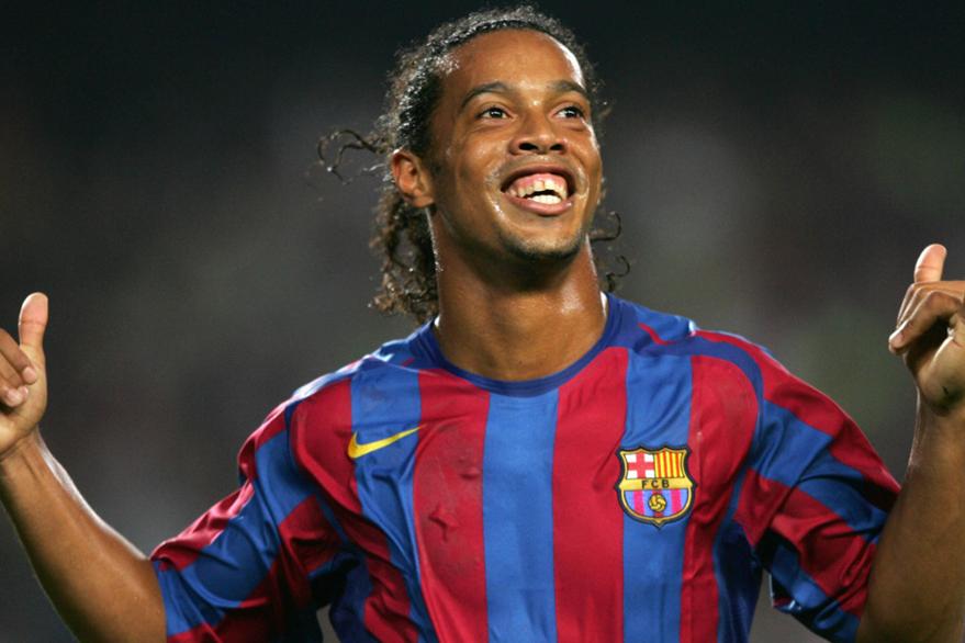 El delantero brasileño, Ronaldinho estará hoy en el país. (Foto Prensa Libre: Hemeroteca PL)