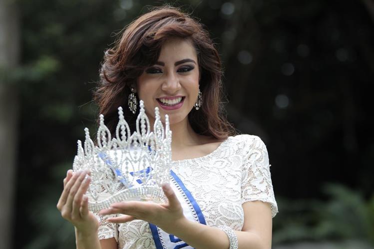 Jeimmy Aburto fue coronada en septiembre como Miss Guatemala 2015. (Foto Prensa Libre: Érick Ávila)