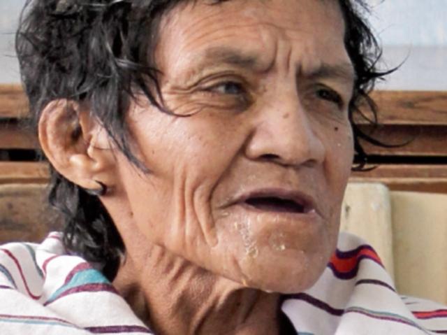María Santiago vivía como indigente.