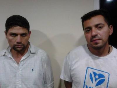 Miguel Mendizábal  Caravantes y Mario Enrique de León Lavarreda, fueron apresados por la policía. (Foto Prensa Libre: PNC)