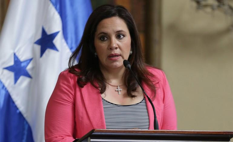 <em>La primera dama hondureña Ana García admitió este miércoles que compró una residencia en Estados Unidos. (Foto Prensa Libre: latribuna.hn)</em>