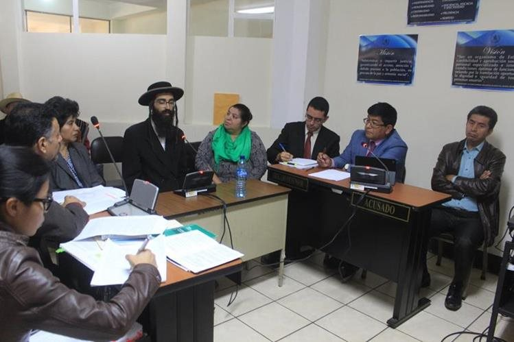 Tribunal de Sentencia de Sololá, donde se llevó comenzó el debate contra el exjefe edil, Antonio Rodolfo Pérez. (Foto Prensa Libre: Ángel Julajuj).