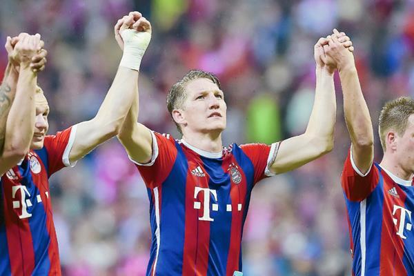 Los jugadores del Bayern celebran un nuevo cetro. (Foto Prensa Libre: AFP)
