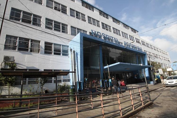 La atención en la consulta externa del Hospital Roosevelt está cerrada, y los médicos piden al Ministerio de Salud insumos (Foto Prensa Libre: Hemeroteca).