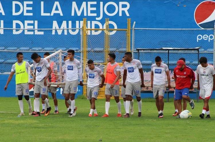 Los chivos finalizarán el viernes su preparación donde quedarán en concentración para recibir al tercer lugar de la clasificación. (Foto Prensa Libre: Raúl Juárez)