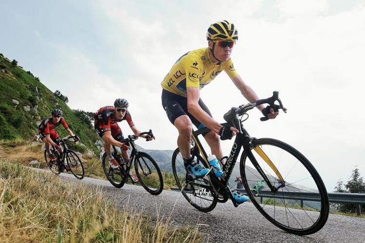 Chris Froome durante la etapa 12 del Tour de Francia. (Foto Prensa Libre: AP)
