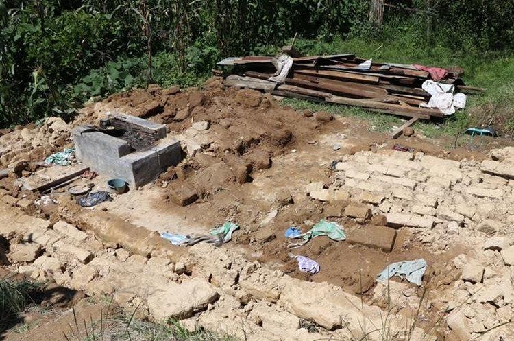 Terreno de una de las viviendas que se destruyó por el terremoto del 7 de septiembre del 2017. (Foto Prensa Libre: Whitmer Barrera)