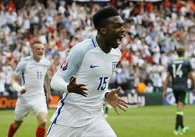 Sturridge festeja después de marcar el gol del triunfo. (Foto Prensa Libre: AP)