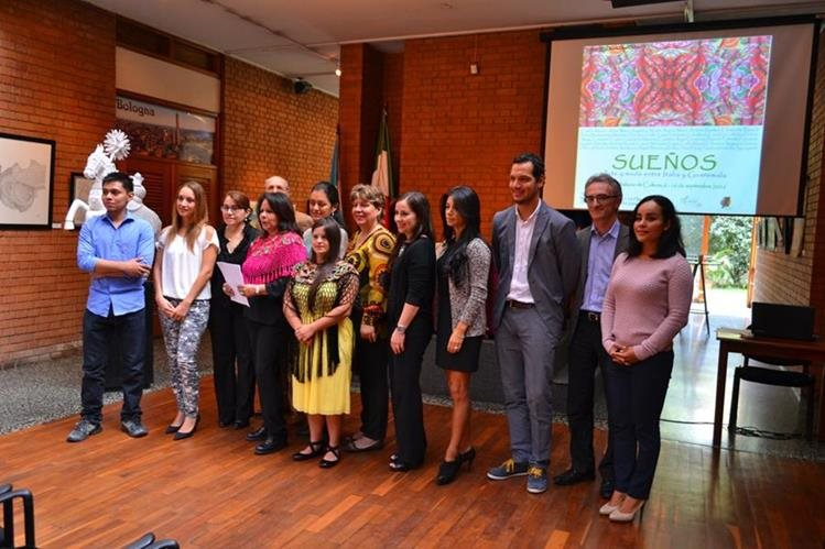 El grupo Guatemala es Guatemala tendrá una exposición en Roma, Italia, el próximo mes. (Foto Prensa Libre: Ángel Elias)