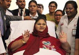Eman Ahmed Abdelaty durante una conferencias de prensa en el hospital Burjeel de Abu Dhabi.(Foto Prensa Libre:AFP).