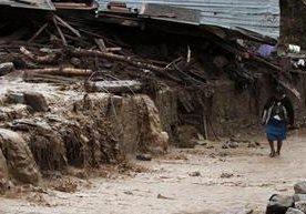 Al menos 40 han muerto por paso de huracán Earl en ese país.