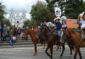 Peregrinación llega a la Basílica de Esquipulas. (Foto Prensa Libre: Mario Morales).
