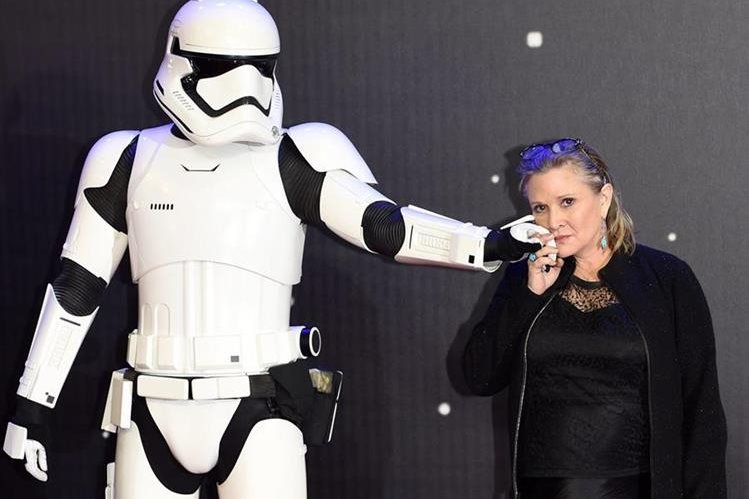 Carrie Fisher tuvo un infarto que la tiene hospitalizada. (Foto Prensa Libre: EFE)