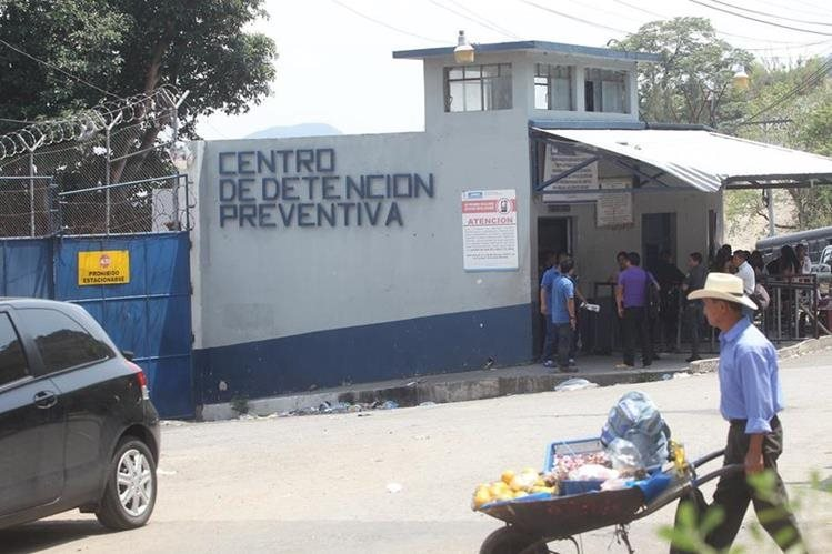 Encuentran dos reos muertos en el Preventivo para hombres de la zona 18. (Foto Prensa Libre: Hemeroteca PL)