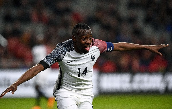 Matuidi celebra el gol del triunfo de Francia contra Holanda. (Foto Prensa Libre: AFP).