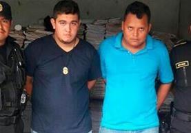 Francisco Sandoval y William Albeño, detenidos por el delito de extorsión. (Foto Prensa Libre: Whitmer Barrera)