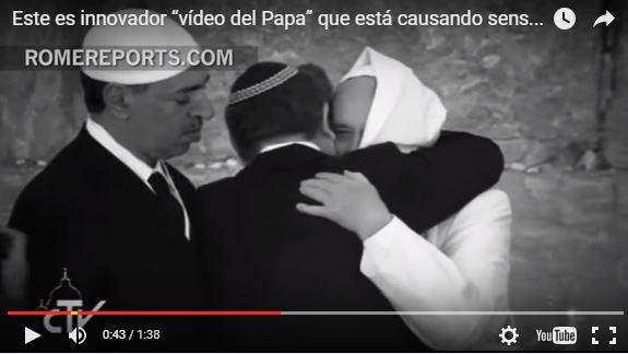 En la grabación se observa al Papa compartir con líderes mundiales de otras religiones. (Fotograma de video original).