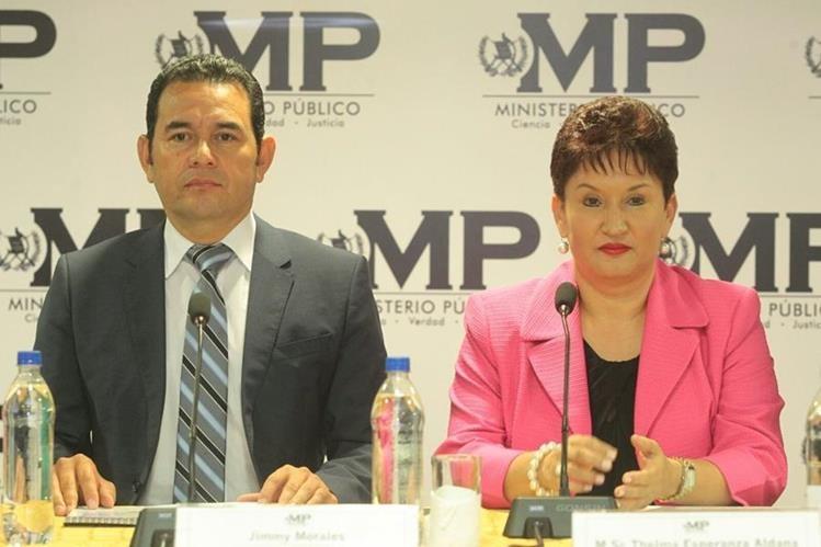 El candidato a la presidencia, Jimmy Morales, se reunió con la Fiscal Geneeral, Thelma Aldana.(Foto Prensa Libre: Alvaro Interiano)
