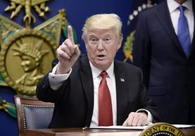 Donald Trump no cesa sus ataques a la Prensa. (Foto Prensa Libre: AFP)