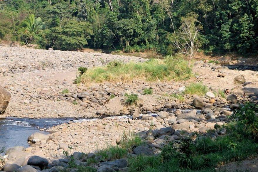 El Ocosito era el segundo río más caudaloso de Retalhuelu; sin embargo, su caudal se ha reducido, lo que afecta a vecinos de la zona. Tiene una longitud de 107 km y nace en la Sierra Madre, Quetzaltenango.