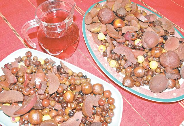 La elaboración del caldo de frutas es una tradición centenaria. (Foto: Hemeroteca PL)
