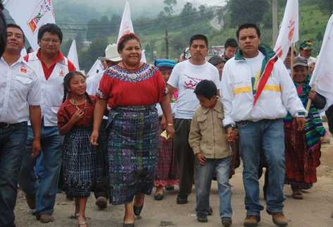 Rigoberto efectúa un recorrido por Cantel, Quetzaltenango.