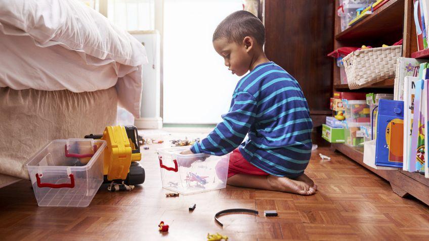 Paciencia y enseñar con el ejemplo son las claves para que el niño aprenda a ser ordenado.